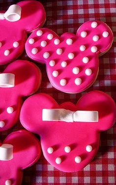 Minnie cookie<3