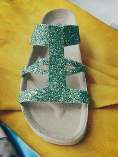 Sandalia glitter turquesa.