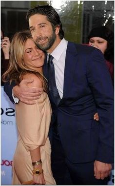 Jennifer Aniston and David Schwimmer: Friends cast mates Friends Tv Show, Serie Friends, Friends Cast, Friends Moments, I Love My Friends, Friends Forever, Ross Geller, Phoebe Buffay, Best Tv Shows