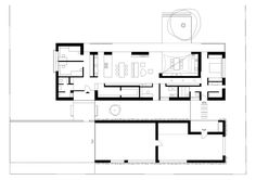 Design Of This Family Dwelling On A Beautiful Flat Plot Derives Maximum  From Its Surroundings. Orientation Of The Corner Ground Defines The  Situation   The ...
