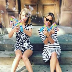 Pretend bubble guns are ACTUAL guns. | 19 Things That Only Taylor Swift Can Pull Off