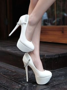 GORGEOUS BACK METAL CHAIN WHITE PUMPS HIGH HEELED SHOES SIZE 8