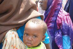 Uno de los millones de niños de Somalia que necesitan asistencia alimentaria. Crédito: Abdurrahman Warsameh/IPS  http://www.flickr.com/photos/ipsnoticias/6152772005/