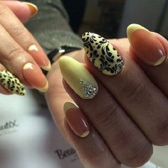 Laced Yellow and Black Nail Art Design. Nothing would look better with your black and off yellow prom dress than this laced nail art design. You can add studs or diamonds in the design to make it look more charming and sassy.