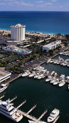 Parking in Fort Lauderdale, Florida #FortLauderdale #ThingsToDoInFortLauderdale #FortLauderdaleAttractions