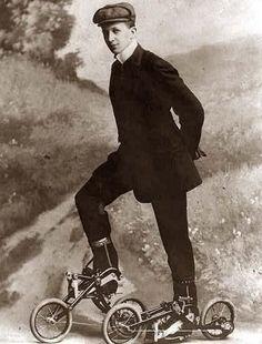 Este invento nunca obtuvo un nombre: no pudieron decidir si eran mini bicicletas o patines con pedales. 20Absurdas invenciones del pasado que nologramos comprender