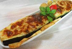 Töltött cukkini olasz módra | NOSALTY Snacks, Meat Recipes, Fine Dining, Tapas, Zucchini, Nom Nom, Food And Drink, Pizza, Favorite Recipes