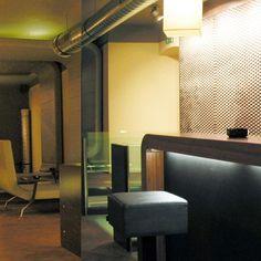 #kullin #restaurant #1070wien #lokal #umgestaltung #chociwskiarchitekten Lokal, Restaurant Bar, Chair, Instagram Posts, Furniture, Home Decor, Decoration Home, Room Decor, Home Furnishings
