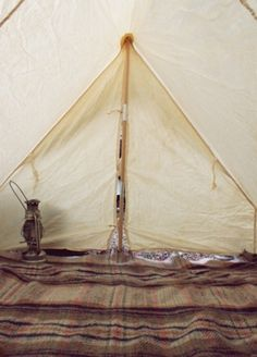 love the color/feel of this tent+lamp+blanket