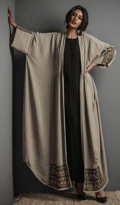 Fashion Mode, Abaya Fashion, Muslim Fashion, Modest Fashion, Look Fashion, Fashion Dresses, Fashion Design, Fashion Ideas, Fashion Tips