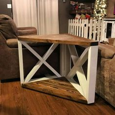 home furniture diy Diy House Projects, Diy Furniture Projects, Home Furniture, Western Furniture, Farmhouse Furniture, Furniture Design, Home Living Room, Living Room Decor, Corner Table Living Room