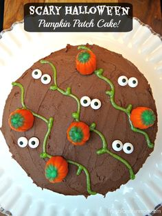 Scary Halloween Pumpkin Patch Cake! Fun for upcoming PARTIES! #Ad