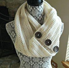 double crochet infinity scarf - pattern on etsy Bonnet Crochet, Gilet Crochet, Crochet Scarves, Crochet Shawl, Crochet Clothes, Knit Crochet, Crochet Buttons, Free Crochet, Crochet Crafts