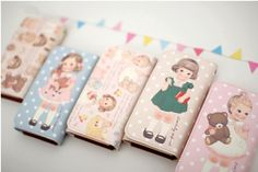 MochiThings.com: Paper Doll Smartphone Wallet