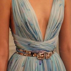 Find tips and tricks, amazing ideas for Zuhair murad. Discover and try out new things about Zuhair murad site Fashion Week, Look Fashion, High Fashion, Fashion Beauty, Elegant Dresses, Pretty Dresses, Beautiful Dresses, Formal Dresses, Mini Dresses