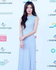 Lee Sun Bin Lee Sun Bin, Most Beautiful, Beautiful Women, Seoul Fashion, Korean Celebrities, Korean Actresses, Asian Beauty, Swimsuits, Formal Dresses