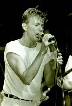 David Bowie with his Band Tin Machine during a gig in THe Waterfront