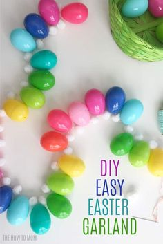 DIY Easy Easter Egg Garland – great way to use up plastic eggs! DIY Easy Easter Egg Garland – great way to use up plastic eggs! Diy Osterschmuck, Easy Easter Crafts, Easter Ideas, Bunny Crafts, Easter Basket Ideas, Diy Crafts, Easter Garland, Diy Garland, Easter Wreaths