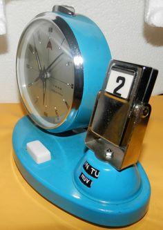 Reloj De Mesa Con Calendario Antiguo De Cuerda - $ 90.000 en MercadoLibre