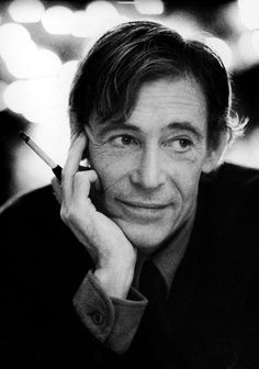 Peter O'Toole, great talent! Love to watch him act. So handsome.