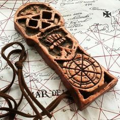 One of the first #replica I made. I've always been a big fan of #RichardDonner's #TheGoonies, and always wanted to create my own replica of the #copperbones #treasure #key. As I don't know yet how to cast copper without burning the house, I made this one out of #polymer #clay and #acrylic #paint. As per the #movie, this was quite an #adventure... #tfprops #pirates #truffleshuffle #stevenspielberg #diy #homemade #amblin #warner #childhood #craft #goonies #GooniesNeverSayDie