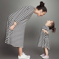Fashion Family Matching Outfits Black White Striped Mommy And Me Clothes Cotton Mom And Daughter Dress Free Shipping(China (Mainland))