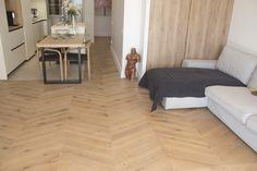 Tarima de roble en punta Hungría aceitada Hardwood Floors, Flooring, Wood Flooring, Oak Tree, Parquetry, Wood Floor Tiles, Floor