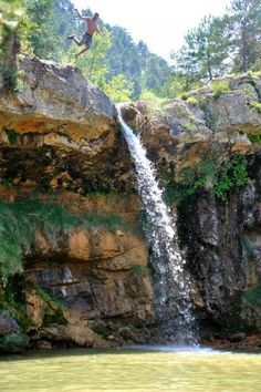 La ruta de las 7 cascadas | La ruta dels 7 gorgs - Los apuntes del viajero Cool Places To Visit, Places To Travel, Places To Go, Beautiful Waterfalls, Beautiful Landscapes, Wonderful Places, Beautiful Places, Voyage Europe, Spain Travel