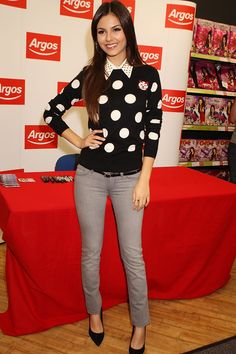 Celebrity Look of the Day: Victoria Justice Charms In Polka Dots
