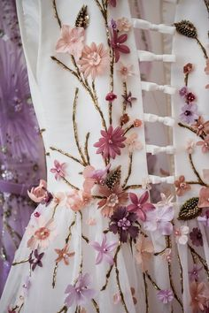 New embroidery clothes couture georges hobeika ideas Gypsy Fashion, Floral Fashion, Couture Fashion, Couture Embroidery, Embroidery Fashion, Embroidery Designs, Floral Embroidery, Moda Floral, Couture Details