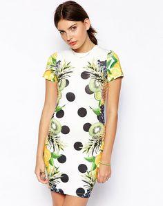 - Robe t-shirt moulante à imprimé fruits tropicaux - More dresses on www.liganz.com #robes #robe #dress #dresses #style #fashion
