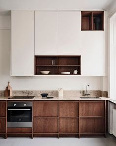 Small Kitchen Decor The oak kitchens by Noriska Kk. Small Kitchen Decor The oak kitchens by Noriska Kk Nordic Kitchen, Scandinavian Kitchen, Home Decor Kitchen, Kitchen Interior, Home Kitchens, Wooden Kitchens, Urban Kitchen, Kitchen Furniture, Scandinavian Dinnerware