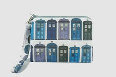 TARDIS Doctor Who - Wristlet zipper pouch / coin purse / makeup bag Chintomby Bolland Credit Card Points, Small Zipper Pouch, Point And Shoot Camera, Business Card Holders, Tardis, Indie Brands, Doctor Who, Coin Purse, Geek Stuff