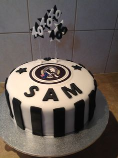 Collingwood cake Fathers Day Cake, 40th Birthday Cakes, Dessert Decoration, Occasion Cakes, Let Them Eat Cake, Cake Decorating, Bakery, Cupcakes, Football
