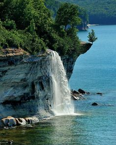 "Spray Falls Located about 1.75 miles northeast of Chapel Beach. This remote waterfall is best viewed from the water though it may be seen from along the North Country Trail. Spray Falls plunges about 70 feet over the Pictured Rocks cliffs directly into Lake Superior. The 1856 shipwreck ""Superior"" lies at the base of the falls in 20 feet of water."