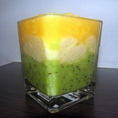 Zielone koktajle: kiwi + banan + pomarańcza