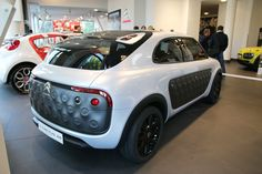 Alternative design for the Citroen C4 Cactus, aka E3 project. Note DS-inspired upper lamp units and Maserati-like boomerang shaped taillamps