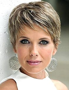 We find a Short Hairstyles For Older Woman With Fine Thin Hair idea for you. Choosing the right hair style is important. Go find your new style here. Haircuts For Thin Fine Hair, Older Women Hairstyles, Thin Hair, Pixie, Beautiful Blonde Hair, Blonde Hair Shades, Lob Haircut, Woman Haircut, Hair Health