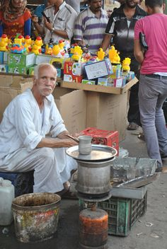 Cairo | Travel blog -  				Tea Seller