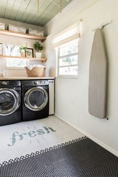 Good morning and happy fresh new week! I'll be spending the day catching up on laundry (not that I mind hanging out in here ☝🏼) P Laundry Nook, Small Laundry Rooms, Laundry Room Design, Interior Design Kitchen, Interior Design Living Room, Cloud Bedroom, Laundry Room Inspiration, Room Goals, Diy Home Decor