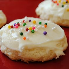 copycat Lofthouse sugar cookies....like the ones at the grocery store
