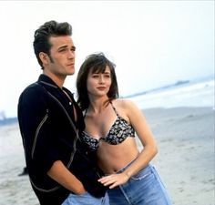 Luke Perry and Shannen Doherty in Beverly Hills, 90210 Beverly Hills 90210, Shannon Dorothy, Carrie And Big, Mejores Series Tv, Jason Priestley, Ross And Rachel, Jennie Garth, Shannen Doherty, 90s Models