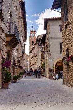 The streets of Pienza, Tuscany. ITALY