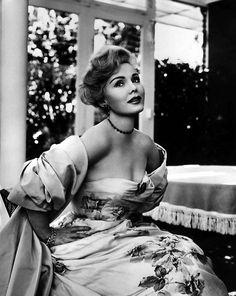 Zsa Zsa Gabor, looking very elegant,1950s.  viafashionnostalgia(via vintagerose)