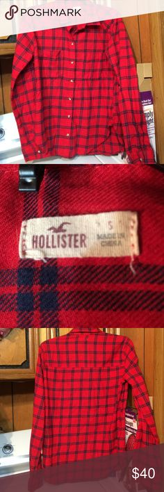 HOLLISTER long sleeve button up Open for reasonable offers :-) Nice, been wore a few times, like new, no flaws Hollister Tops