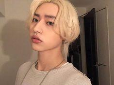 aesthetic, boys, and korean image Blonde Hair Korean, Kim Blonde, Men Blonde Hair, Blonde Boys, Asian Hair, Short Blonde, Cute Asian Guys, Cute Korean Girl, Aesthetic People