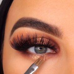 Shimmer Eye Makeup, Smoky Eye Makeup, Makeup Eye Looks, Eye Makeup Steps, Beautiful Eye Makeup, Eye Makeup Art, Colorful Eye Makeup, Eyeshadow Makeup, Casual Eye Makeup