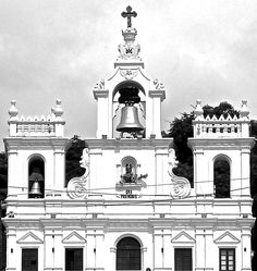 Panjim Church - Goa Saint Cajetan, Classic Building, India Travel, Goa, Notre Dame, Places, India, Lugares