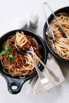 Satisfying and nutritious, this vegetarian bolognese really hits the spot. It's even a hit with … Vegetarian Bolognese, Vegetarian Main Meals, Spring Recipes, Japchae, Allrecipes, Discovery, Food Photography, Spaghetti, Apps