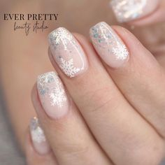 Gorgeous Pink Snowflake Nails Design for Christmas with Glitters! Snowflake Nails The Cutest and Festive Christmas Nail Designs for Celebration Christmas Gel Nails, Christmas Nail Designs, Holiday Nails, Red Christmas, Beautiful Christmas, Vector Christmas, Winter Nail Designs, Cute Acrylic Nails, Acrylic Nail Designs